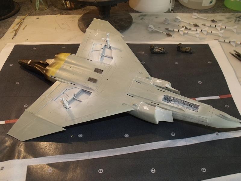 F-4 B Phantom 1/48° - VF-51 - 1972 - Début de patine. - Page 3 Dscf7017