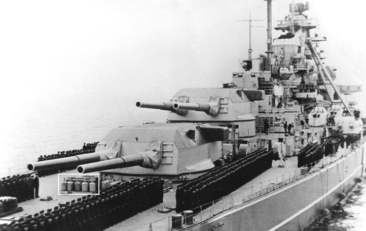 Bismarck Revell Premium 1/350 - Page 4 01_smo10
