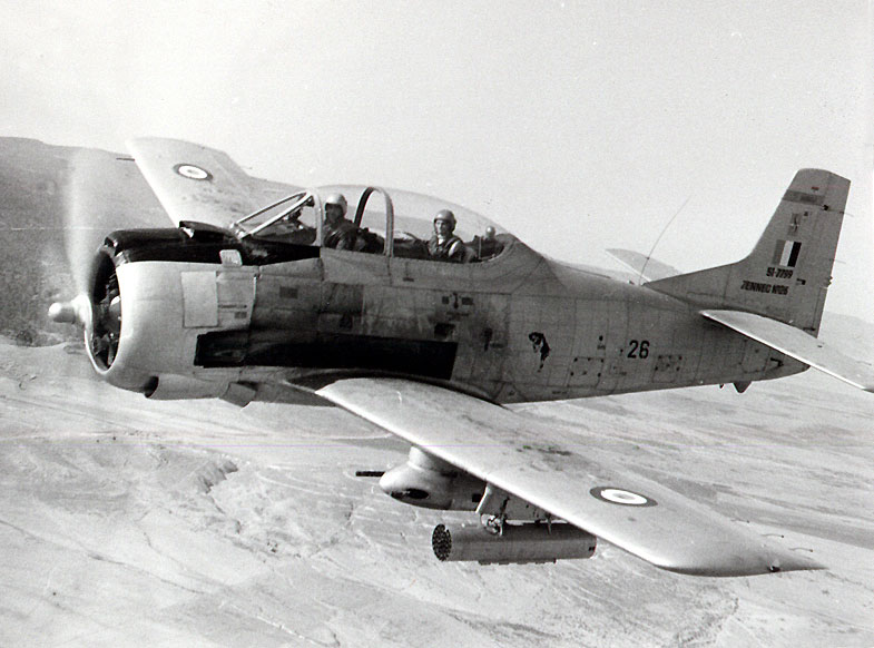 North American (Sud Aviation) T 28 Fennec 02_85_10