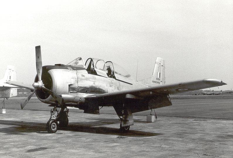 North American (Sud Aviation) T 28 Fennec 08_71_10