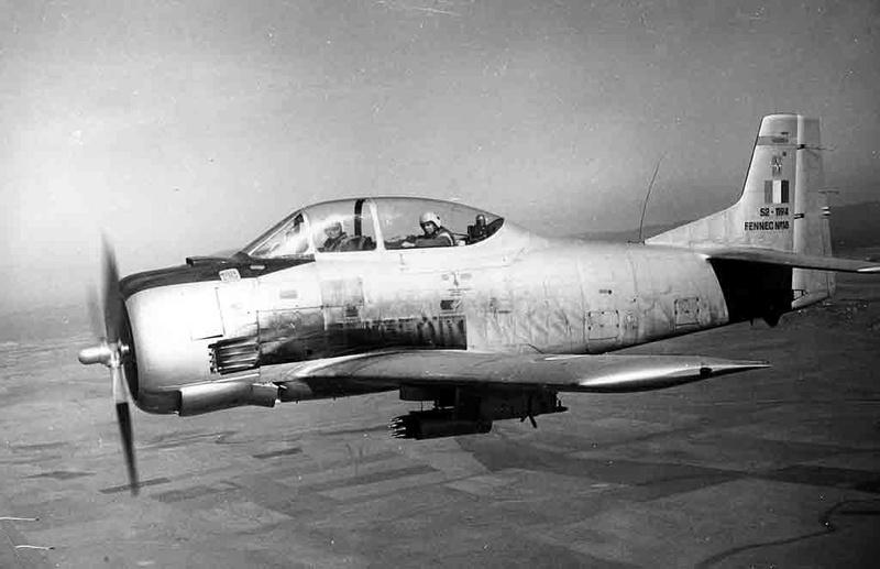 North American (Sud Aviation) T 28 Fennec 10_07_12