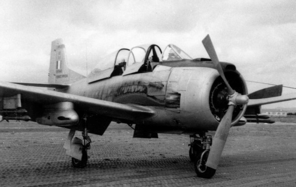 North American (Sud Aviation) T 28 Fennec File5210