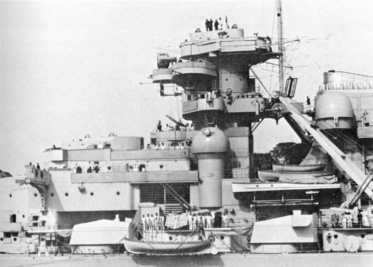 Bismarck Revell Premium 1/350 - Page 4 Gallbi12