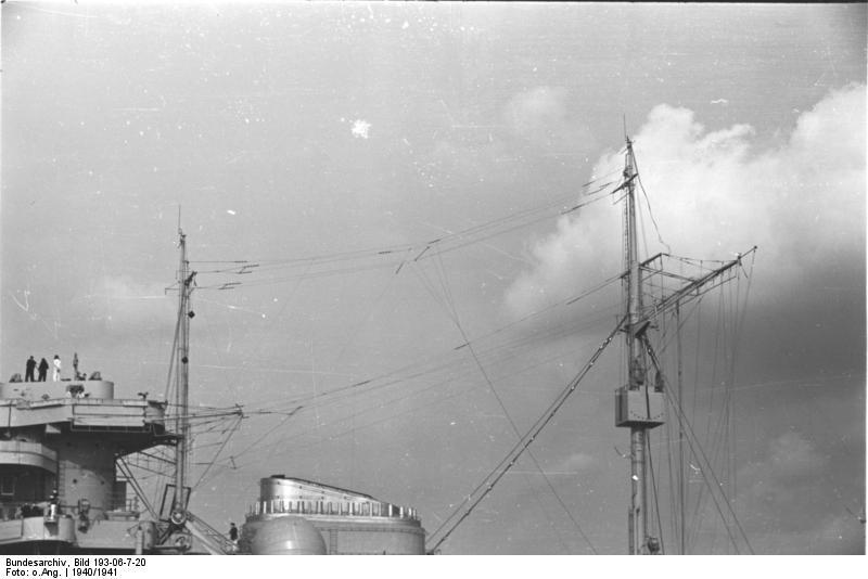 Bismarck Revell Premium 1/350 - Page 4 Ship_b10