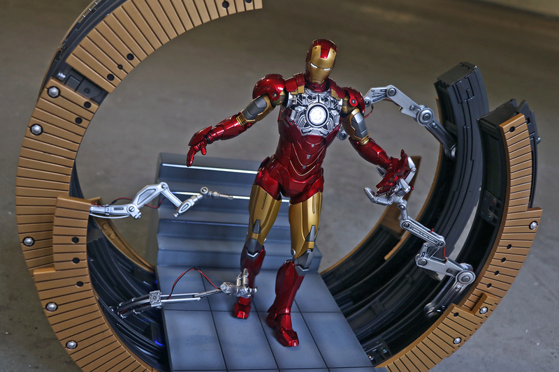 Iron Man 2 - Moving Gantry for Mark 6 - 1/9 Diecast (King Arts) 00183610