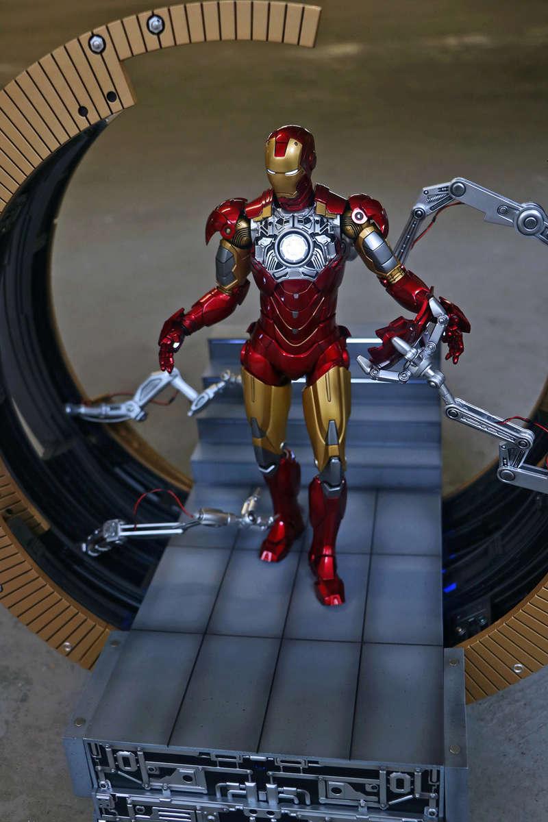 Iron Man 2 - Moving Gantry for Mark 6 - 1/9 Diecast (King Arts) 00183910