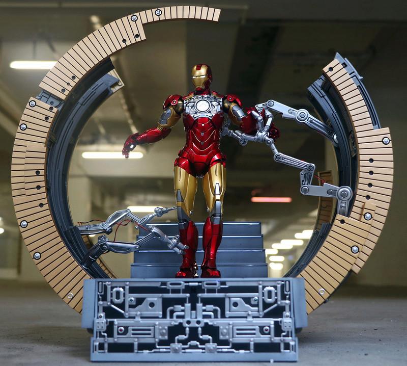 Iron Man 2 - Moving Gantry for Mark 6 - 1/9 Diecast (King Arts) 00183912