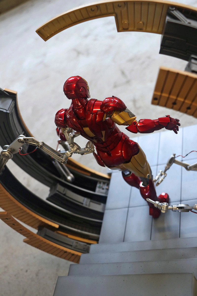 Iron Man 2 - Moving Gantry for Mark 6 - 1/9 Diecast (King Arts) 00183913