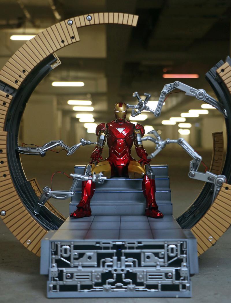 Iron Man 2 - Moving Gantry for Mark 6 - 1/9 Diecast (King Arts) 00184011