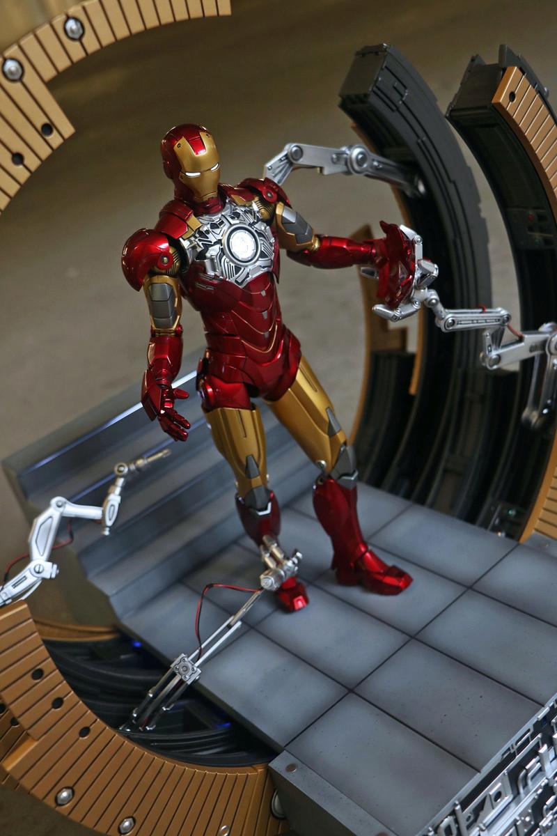 Iron Man 2 - Moving Gantry for Mark 6 - 1/9 Diecast (King Arts) 00184012