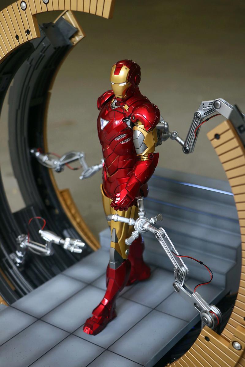 Iron Man 2 - Moving Gantry for Mark 6 - 1/9 Diecast (King Arts) 00184013