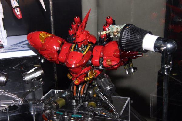 Nu Gundam Bust Display (Formania EX / Bandai) 10270910