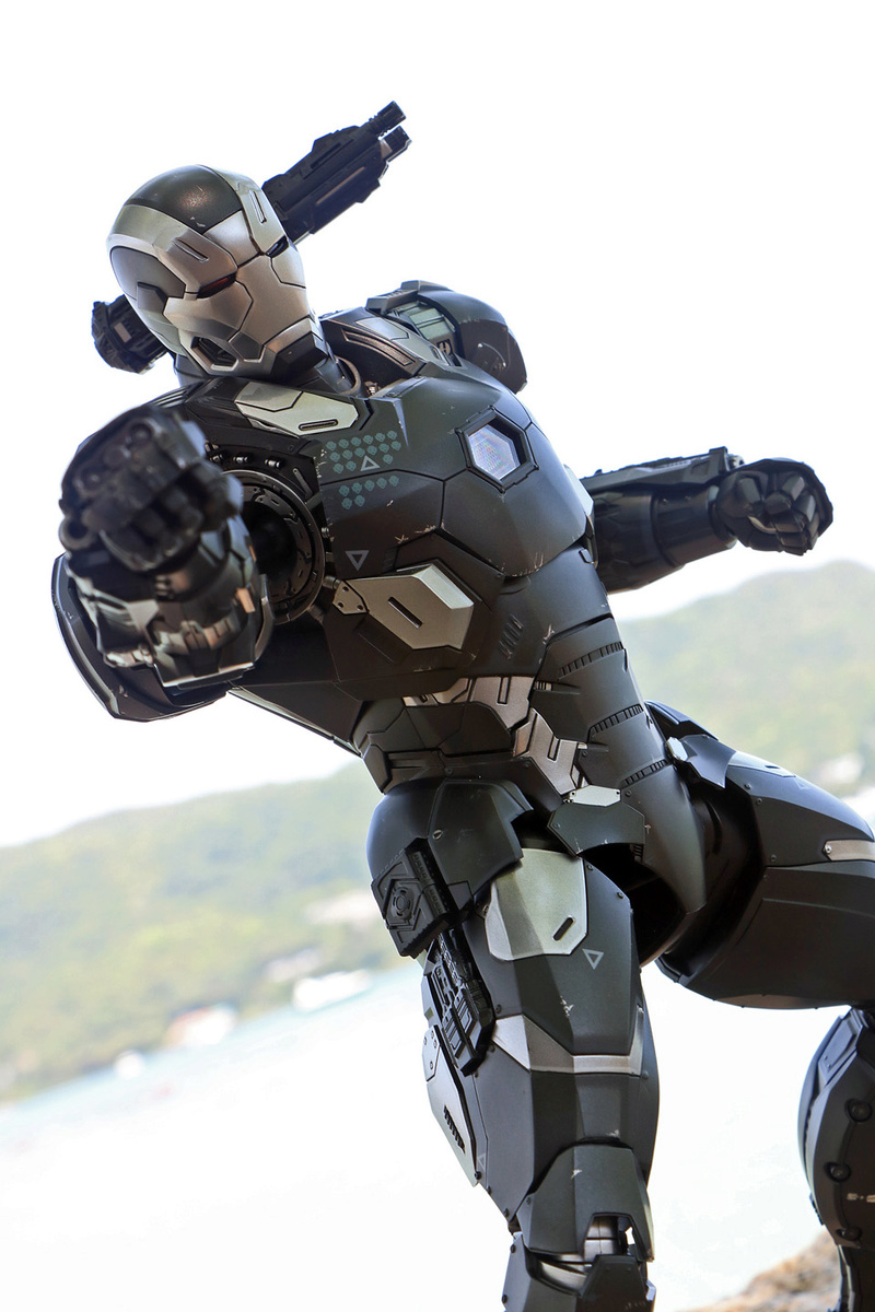 Iron Man (Hot Toys) - Page 10 14245610