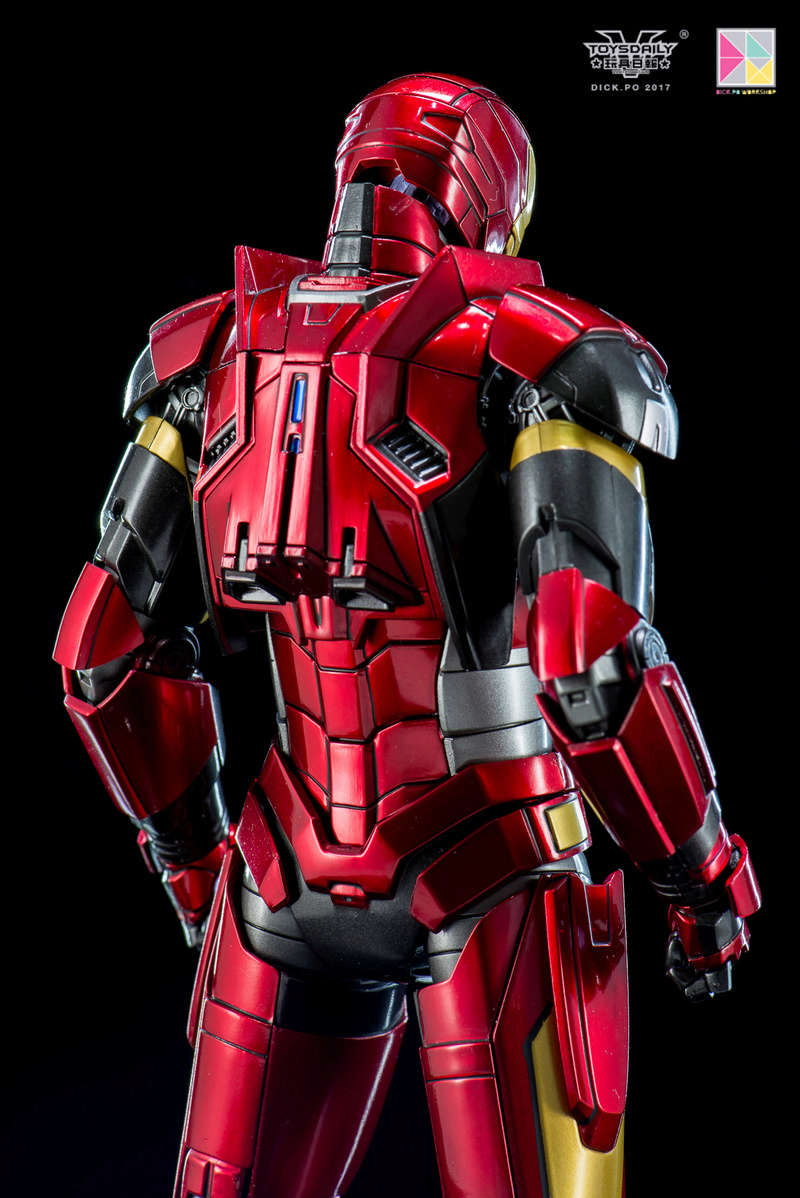Iron Man 3 - Mark 16 NightClub - 1/9 Diecast (King Arts)  18054611