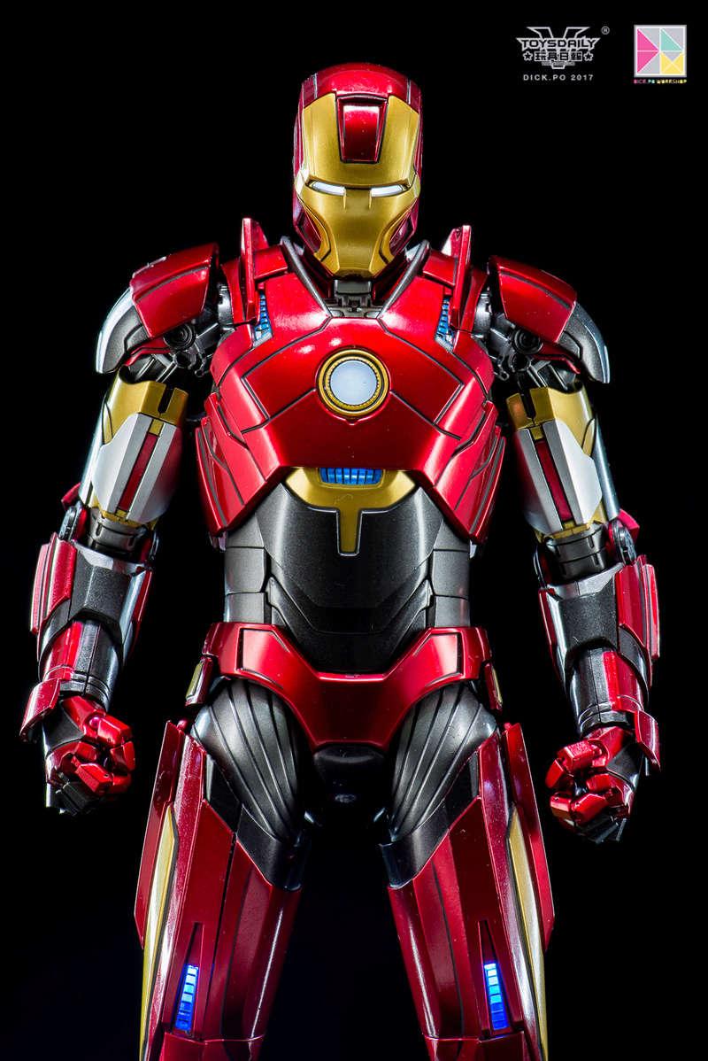 Iron Man 3 - Mark 16 NightClub - 1/9 Diecast (King Arts)  18054612
