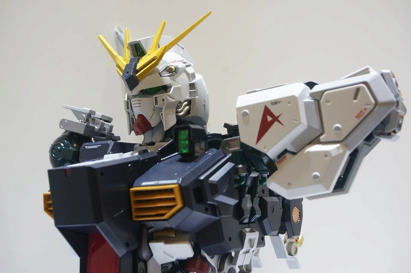 Nu Gundam Bust Display (Formania EX / Bandai) - Page 2 18268511