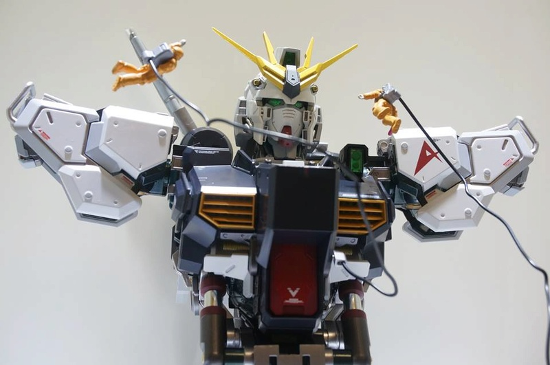 Nu Gundam Bust Display (Formania EX / Bandai) - Page 2 18274911