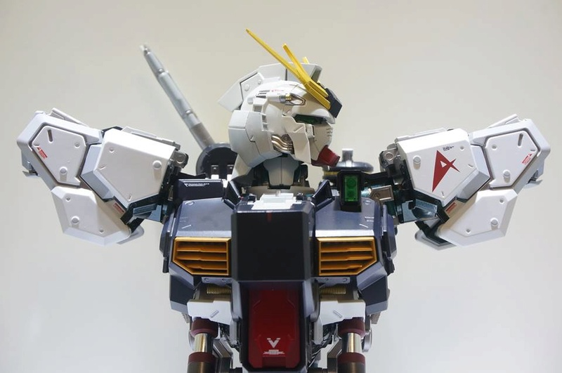 Nu Gundam Bust Display (Formania EX / Bandai) - Page 2 18300910