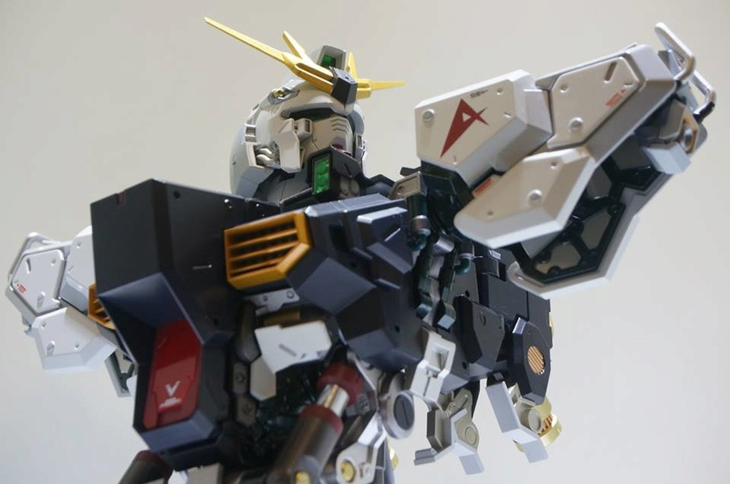 Nu Gundam Bust Display (Formania EX / Bandai) - Page 2 18301410