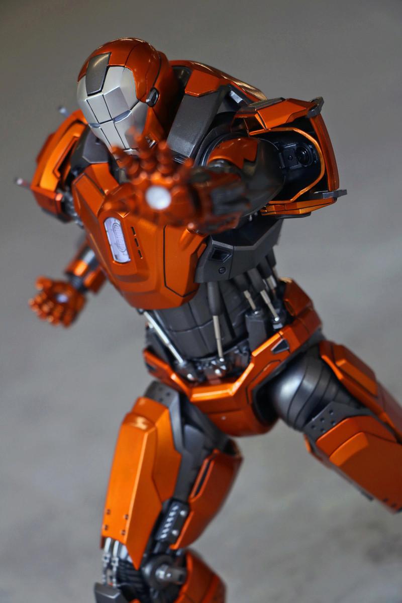Iron Man 3 - Mark XXXVI/Mark 36 : Peacemaker 1/9 Diecast (King Arts) 23303410