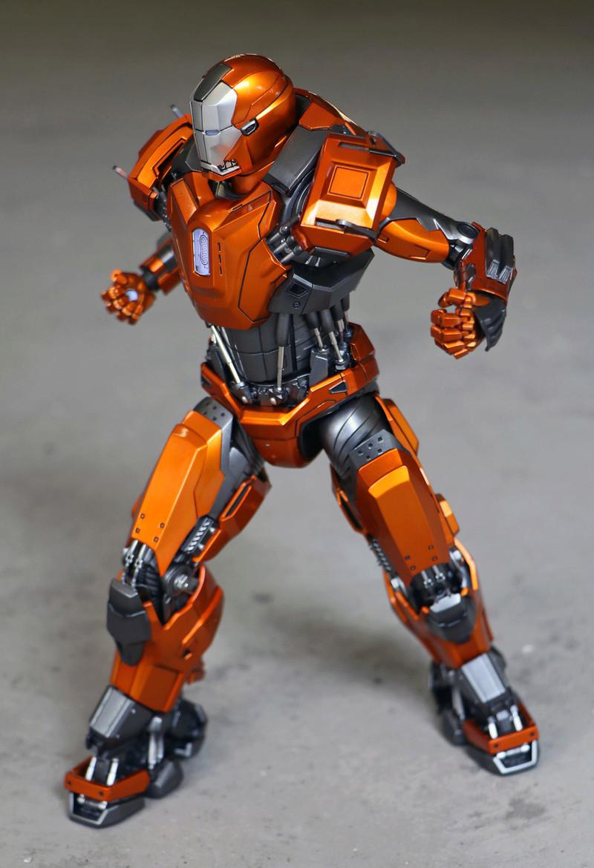 Iron Man 3 - Mark XXXVI/Mark 36 : Peacemaker 1/9 Diecast (King Arts) 23303611