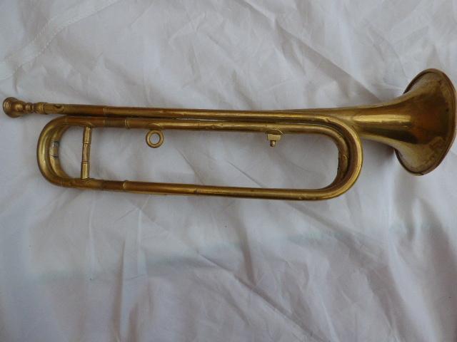 Les instruments de musique : caisses - tambours - clairons - trompettes  - Page 3 P1030619