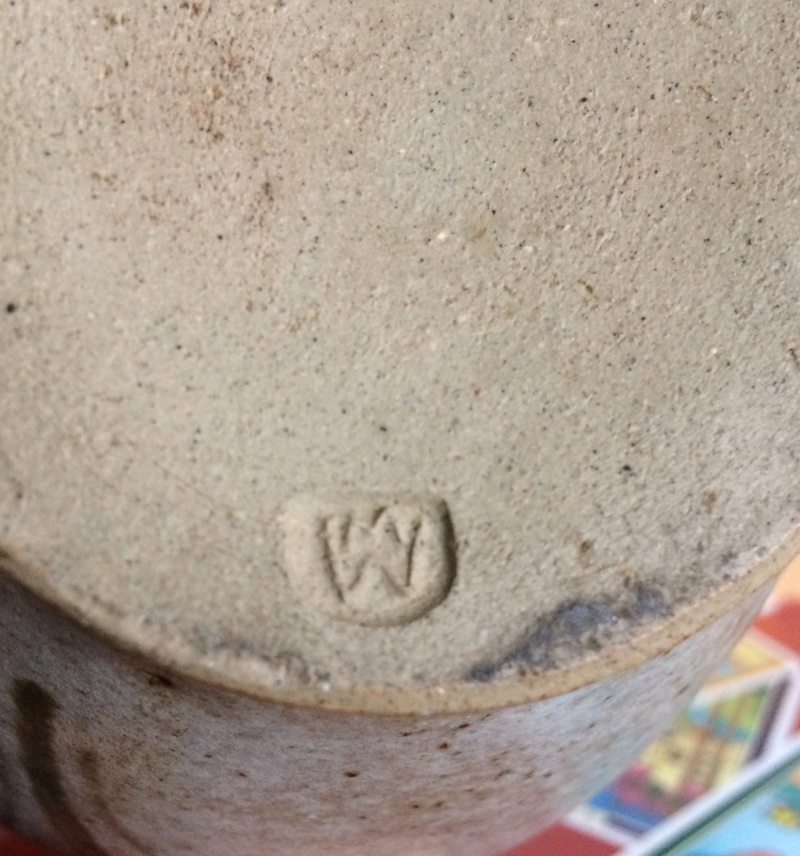 Vase mw/wm mark - Martyn Webster Img_1410