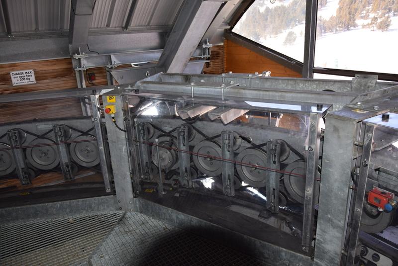 Machinerie Télésièges débrayables Doppelmayr G2-tsd15
