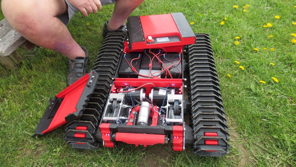 The Beast 3D printing track vehicle Beast_13