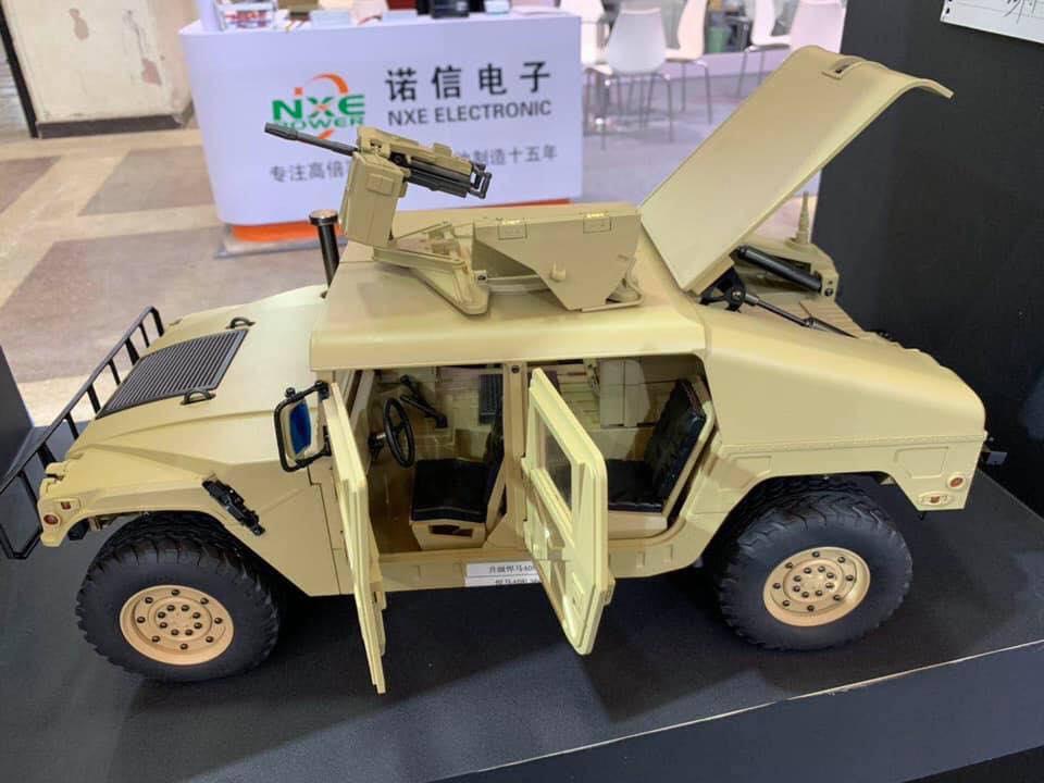 !/10 RC Humvee Hg_hum13
