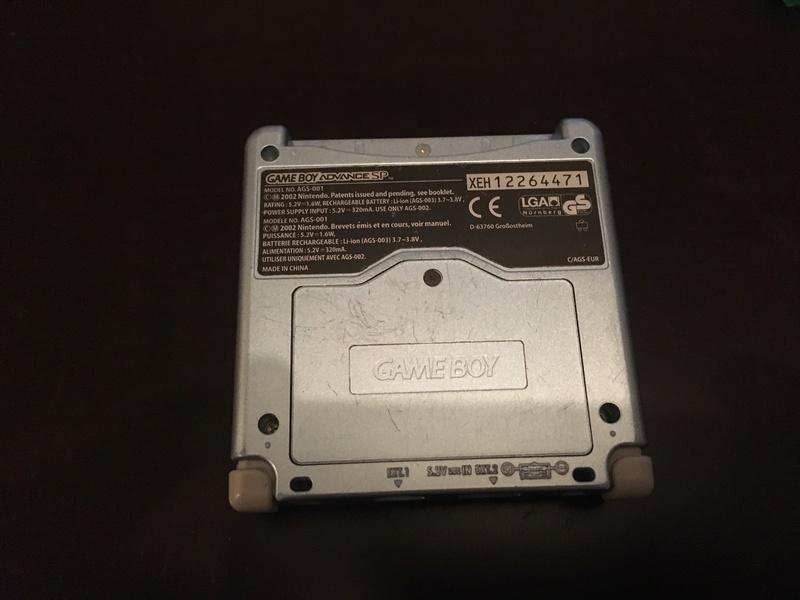 [Estim]CONSOLE GBA + JEUX Sp210