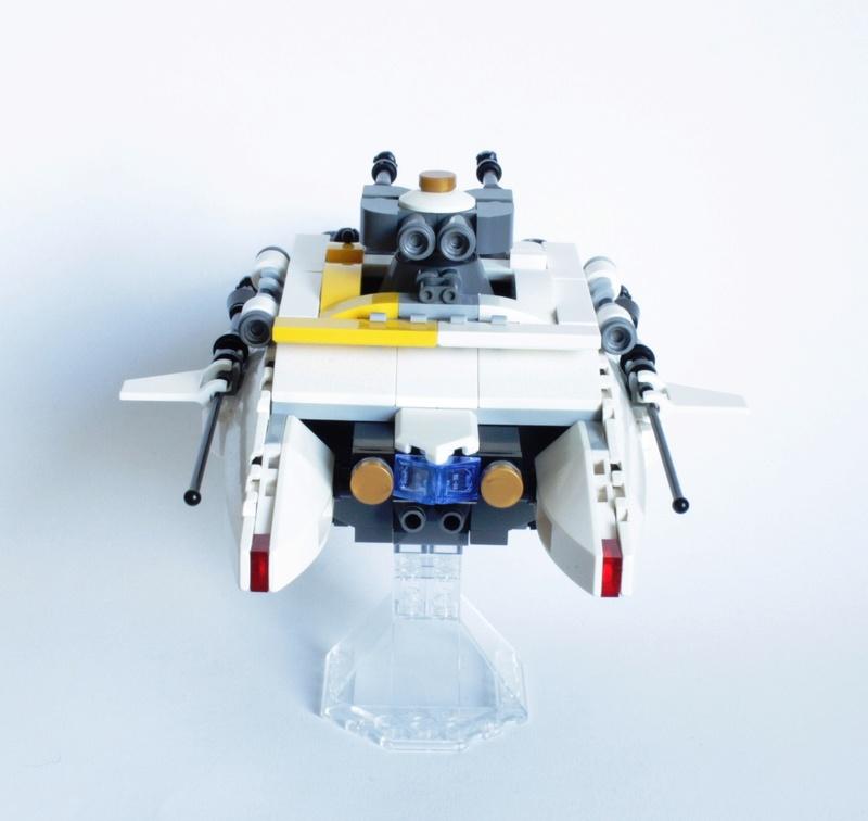 [MOC] Navette d'assaut légère LAS-01 de la Fédération Minière Galactique(Version finale et montage)  Img_2810