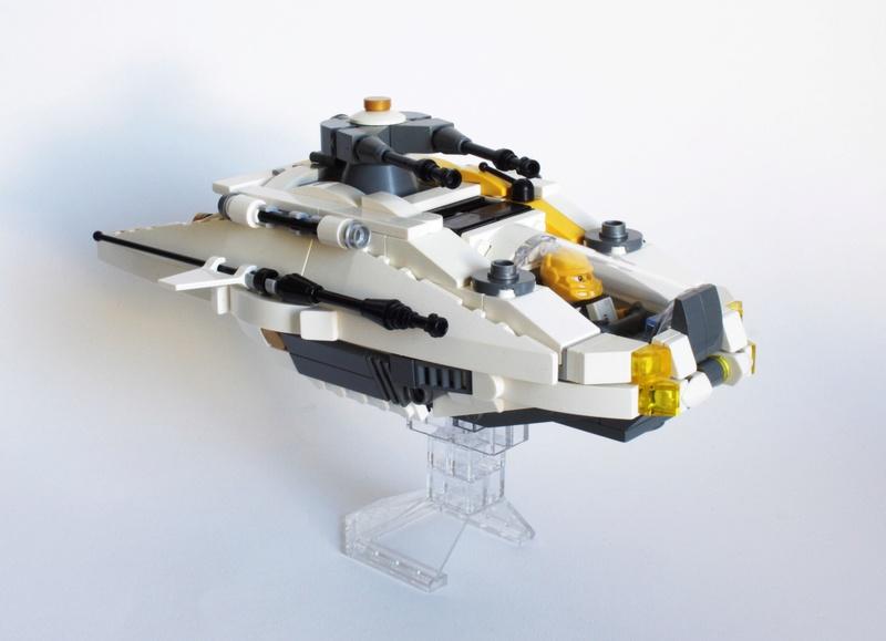 [MOC] Navette d'assaut légère LAS-01 de la Fédération Minière Galactique(Version finale et montage)  Img_2812