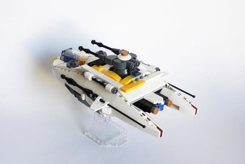 [MOC] Navette d'assaut légère LAS-01 de la Fédération Minière Galactique(Version finale et montage)  Img_2813