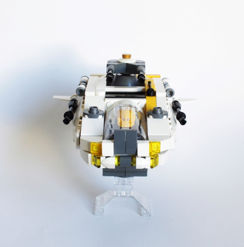 [MOC] Navette d'assaut légère LAS-01 de la Fédération Minière Galactique(Version finale et montage)  Img_2815