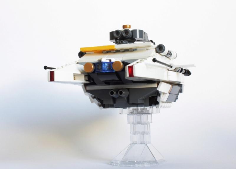 [MOC] Navette d'assaut légère LAS-01 de la Fédération Minière Galactique(Version finale et montage)  Img_2816