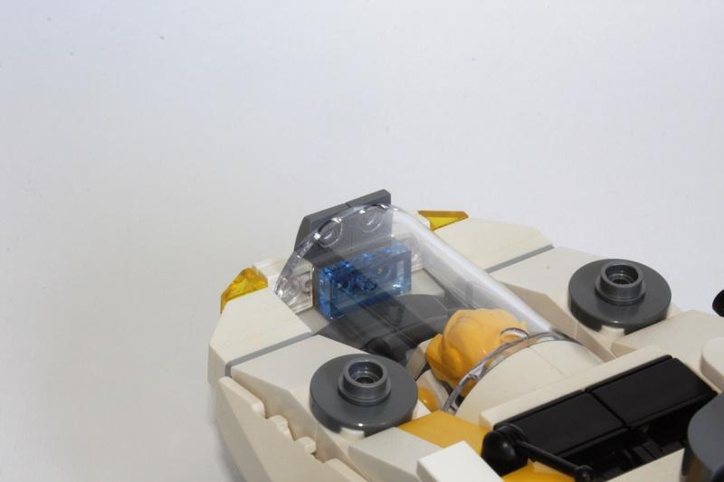 [MOC] Navette d'assaut légère LAS-01 de la Fédération Minière Galactique(Version finale et montage)  Img_2910