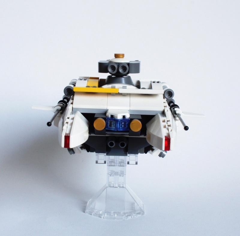 [MOC] Navette d'assaut légère LAS-01 de la Fédération Minière Galactique(Version finale et montage)  Img_2911