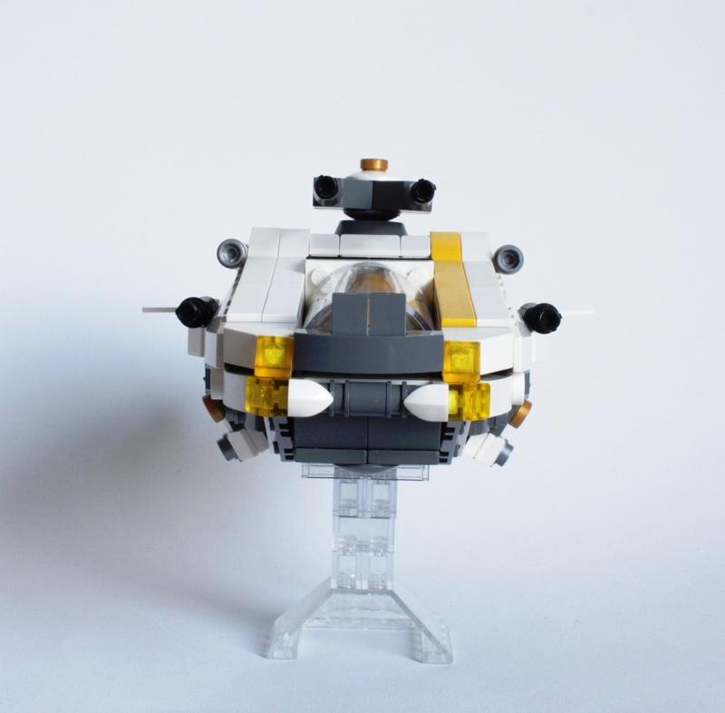 [MOC] Navette d'assaut légère LAS-01 de la Fédération Minière Galactique(Version finale et montage)  Img_2912