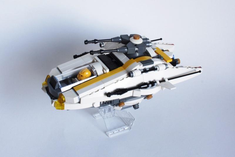 [MOC] Navette d'assaut légère LAS-01 de la Fédération Minière Galactique(Version finale et montage)  Img_2913