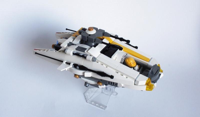 [MOC] Navette d'assaut légère LAS-01 de la Fédération Minière Galactique(Version finale et montage)  Img_2914
