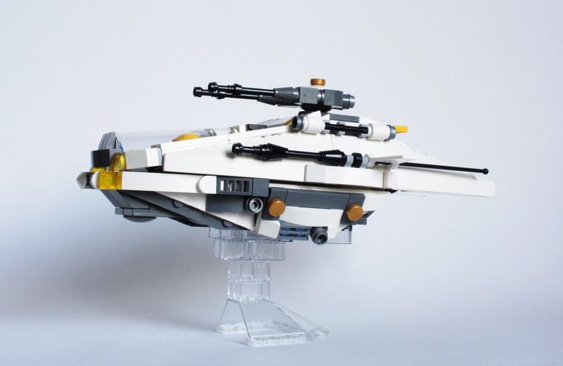 [MOC] Navette d'assaut légère LAS-01 de la Fédération Minière Galactique(Version finale et montage)  Img_2915