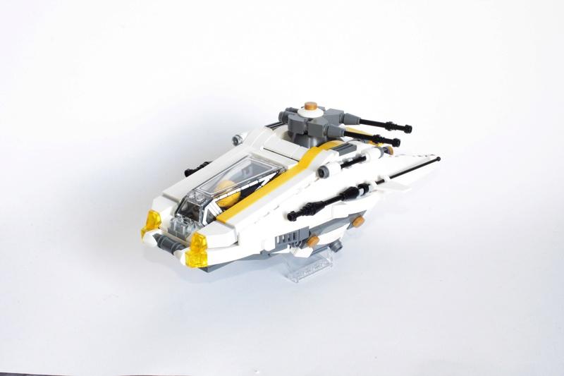 [MOC] Navette d'assaut légère LAS-01 de la Fédération Minière Galactique(Version finale et montage)  Img_3015