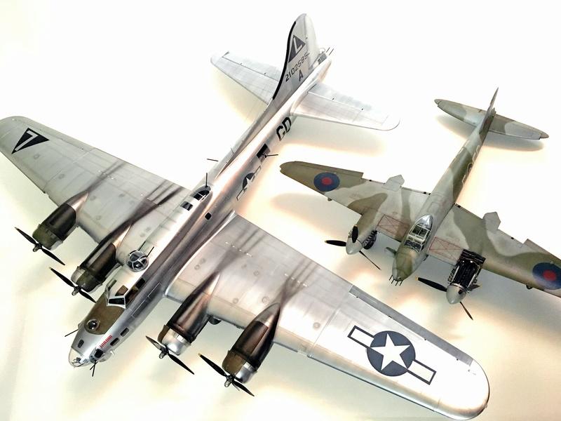 """[HK Models] 1/32e - B-17G """"The Betty-L"""" 42-102585 Img_9827"""