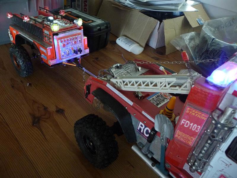 Remorque de camion de pompier 1/10 fait maison avec éclairage et suspensions Remorq11