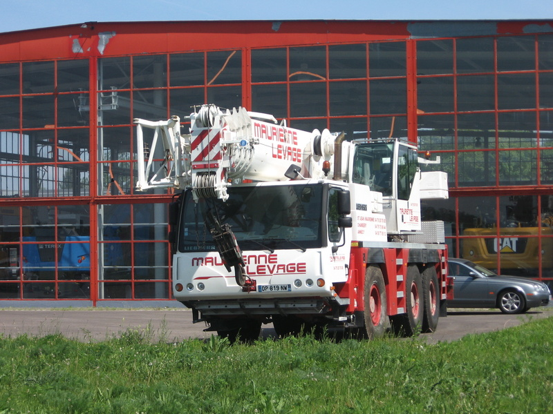 Les grues de S.E. LEVAGE (France) - Page 52 Img_7513
