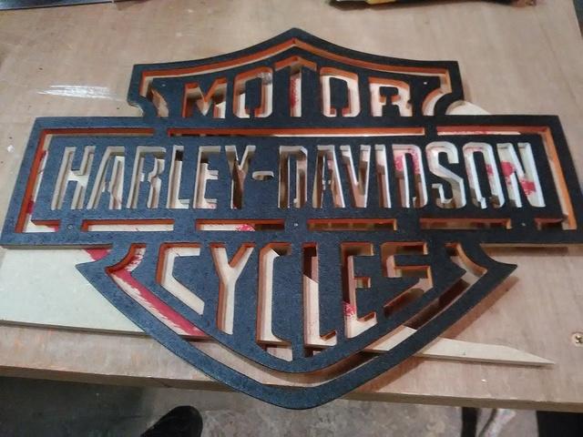 Chantournage : Logo Harley-Davidson Img_2027