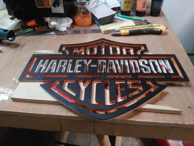 Chantournage : Logo Harley-Davidson Img_2028