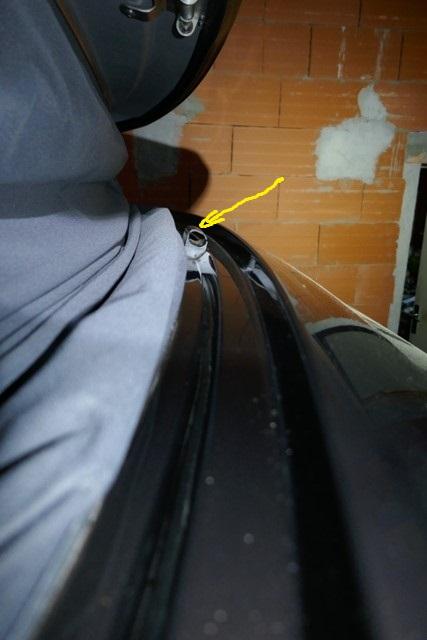 Sifflement au niveau du toit P1020011