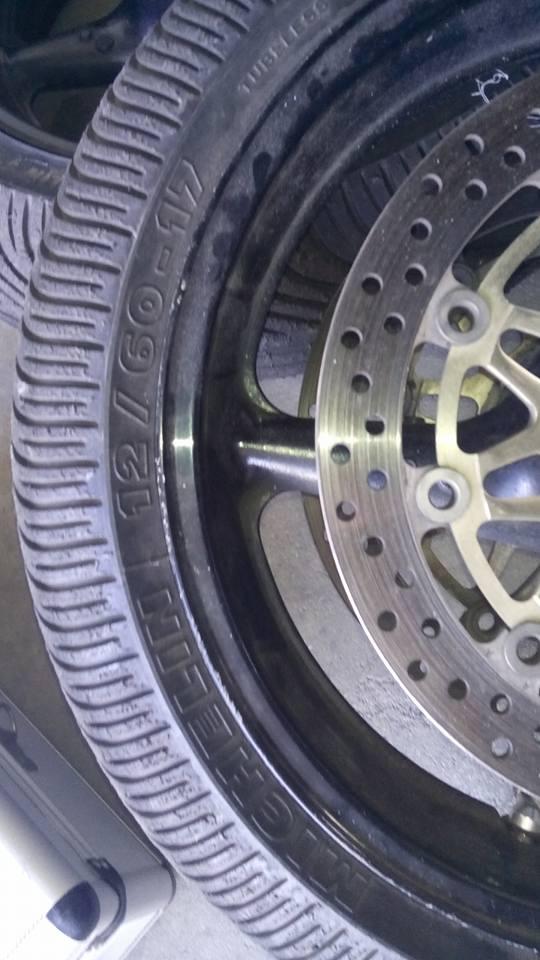 train de pneus pluie a vendre  17424710